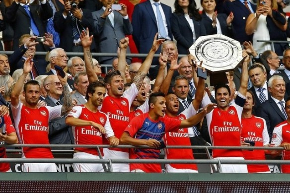 New Club Captain Mikel Arteta Lifts The Community Shield