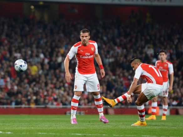 Alexis Sanchez strikes from 25 yards against Southampton