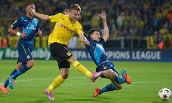 Koscielny gets beaten for Dortmund's first goal