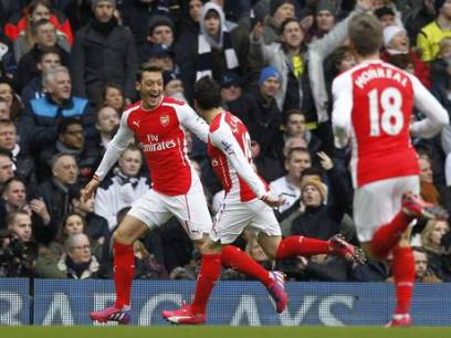 Ozil Celebrates His Goal Against Them