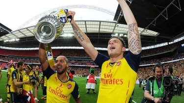 The Best of Both Worlds - Walcott and Giroud